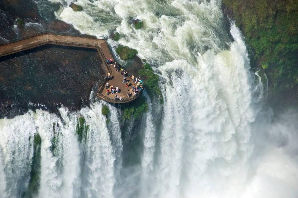 イグアズの滝を見下ろす
