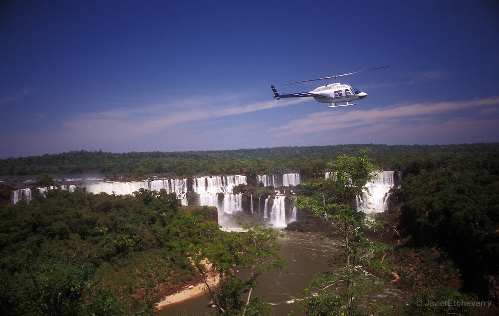 イグアズの滝:ヘリコプターツアー