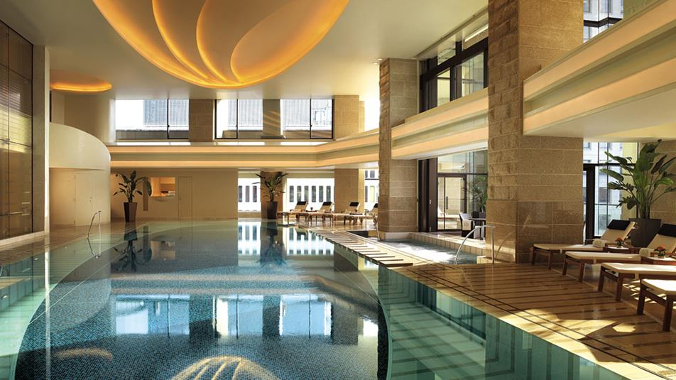 ザ・ペニンシュラ東京 The Peninsula Tokyoののプール