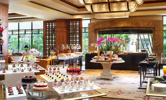 リージェント・シンガポール  Regent SingaporeのTea Lounge(ティー・ラウンジ)のビュッフェ