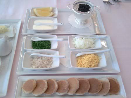 アスコット・ラッフルズ・プレイス・シンガポール Ascott Raffles Place Singaporeのルームタイプfinlayson suiteのダイニングJulien Bompard(ジュリアン・ボンパード)の料理1