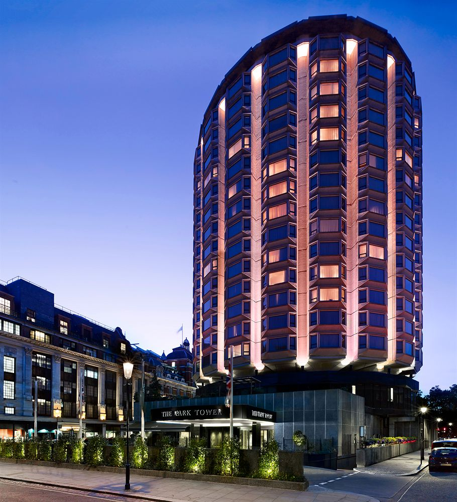 ザ・パークタワー・ナイツブリッジ・ラグジュアリー・コレクション・ホテルの外観
