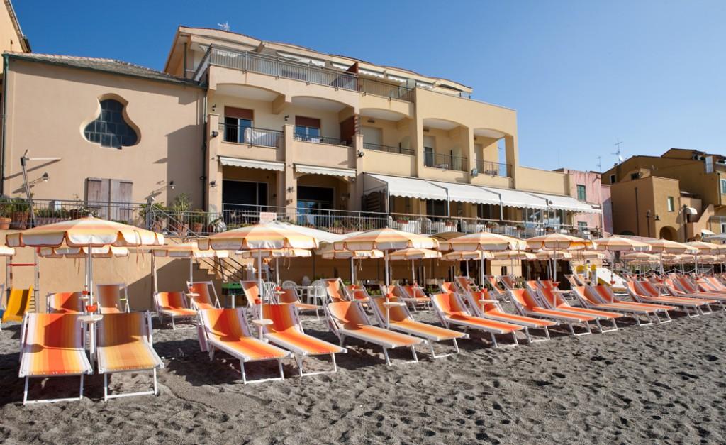 リグリア海に面したヴァリゴッティに佇む5つ星ブティックホテル「ホテル・アル・サラチェーノ・ヴァリゴッティ」