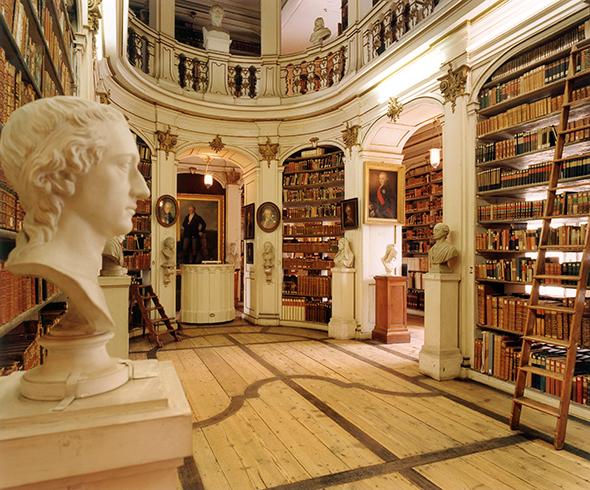 図書館の蔵書