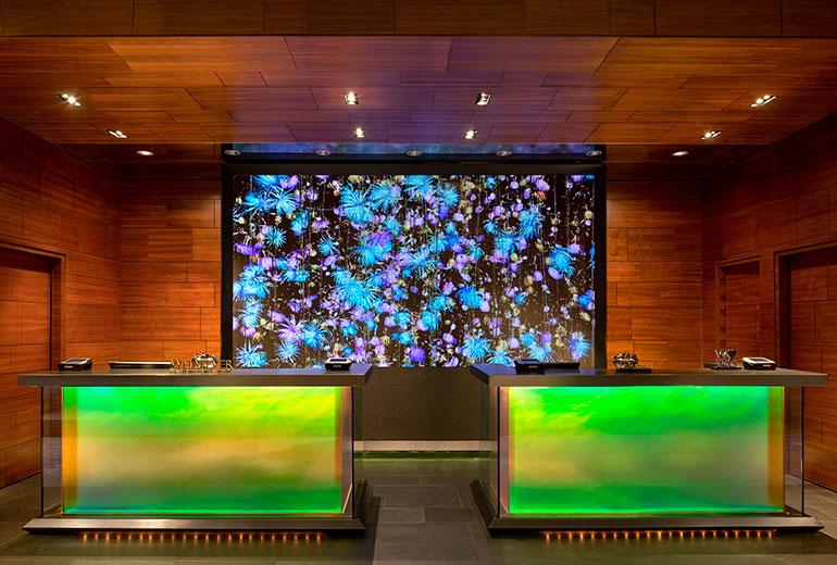Wホテル香港のパブリックエリアウェルカムデスク