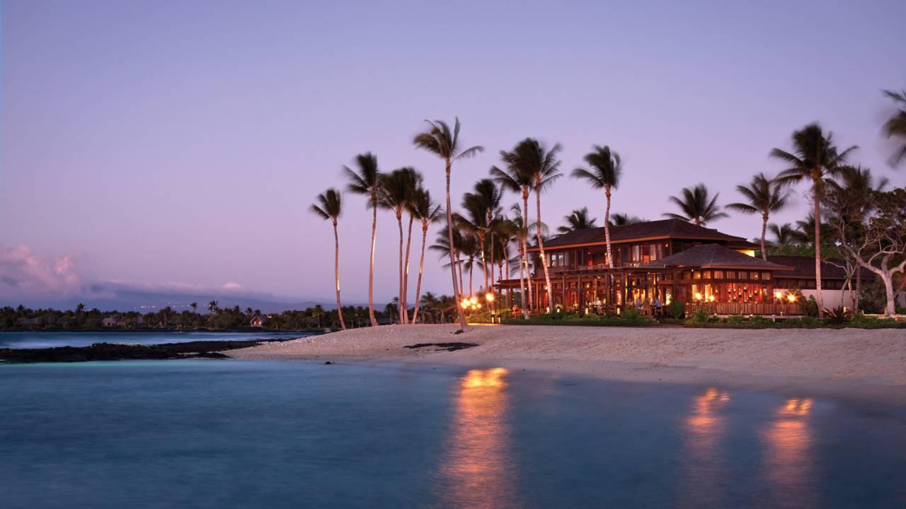 ハワイ島唯一の5つ星ホテル「フォーシーズンズ・リゾート・フアラライ・アット・ヒストリック・カウプレフ」