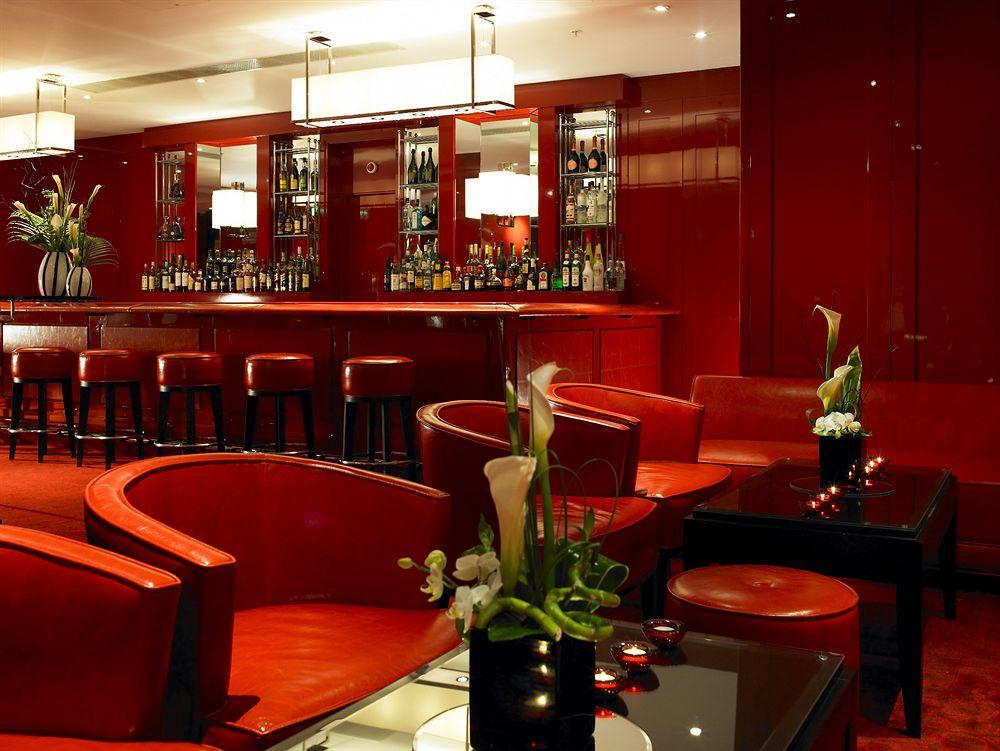 グロブナーハウス・A・JW・マリオット・ホテルのレッドバー
