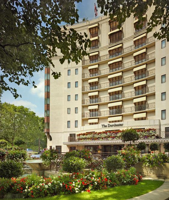 大自然のハイドパークを一望できるエレガントな客室が魅力的な「ザ・ドーチェスター・ホテル」