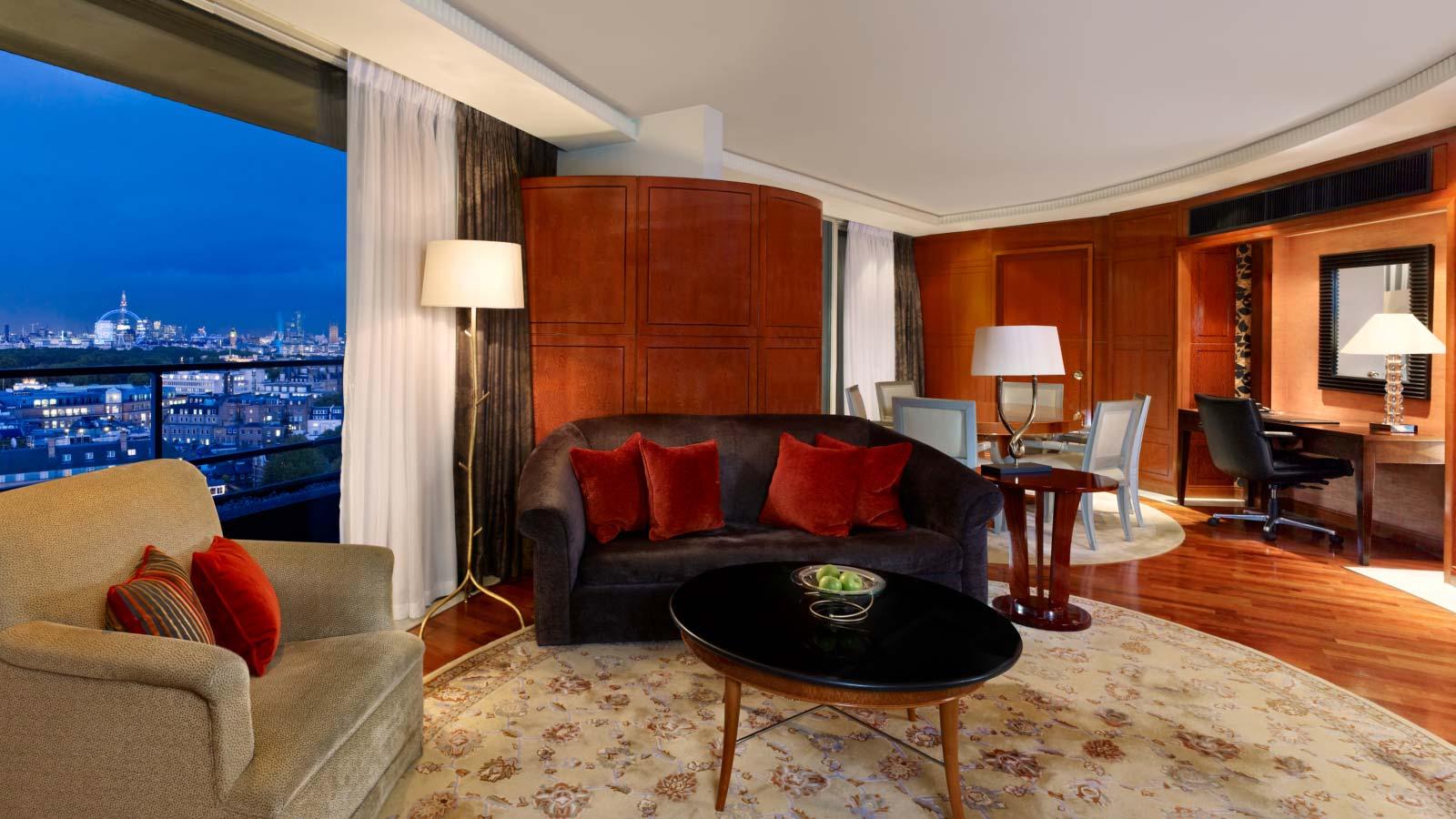 ザ・パークタワー・ナイツブリッジ・ラグジュアリー・コレクション・ホテルのウェストミンスターペントハウススイート