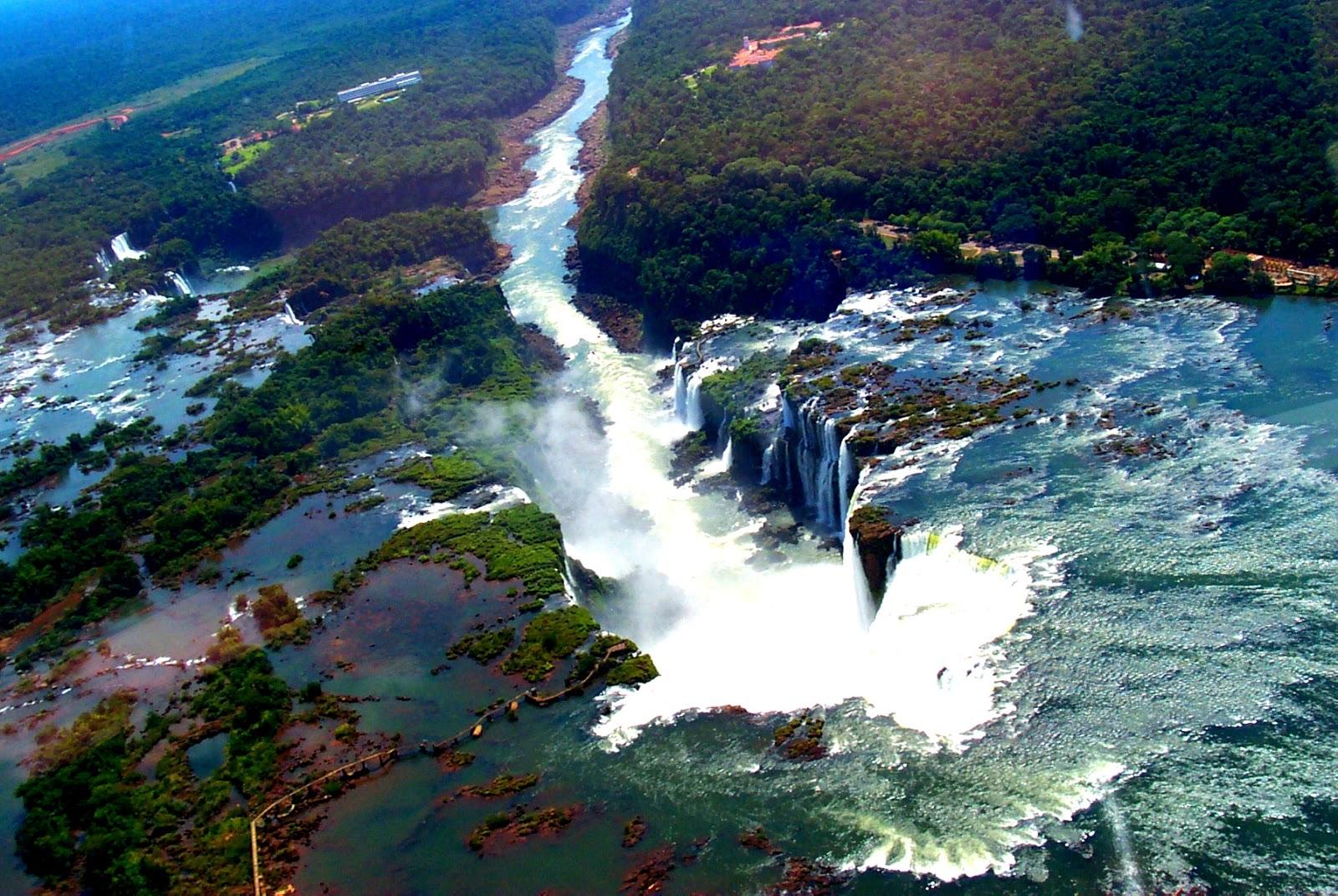 イグアズの滝:悪魔の喉