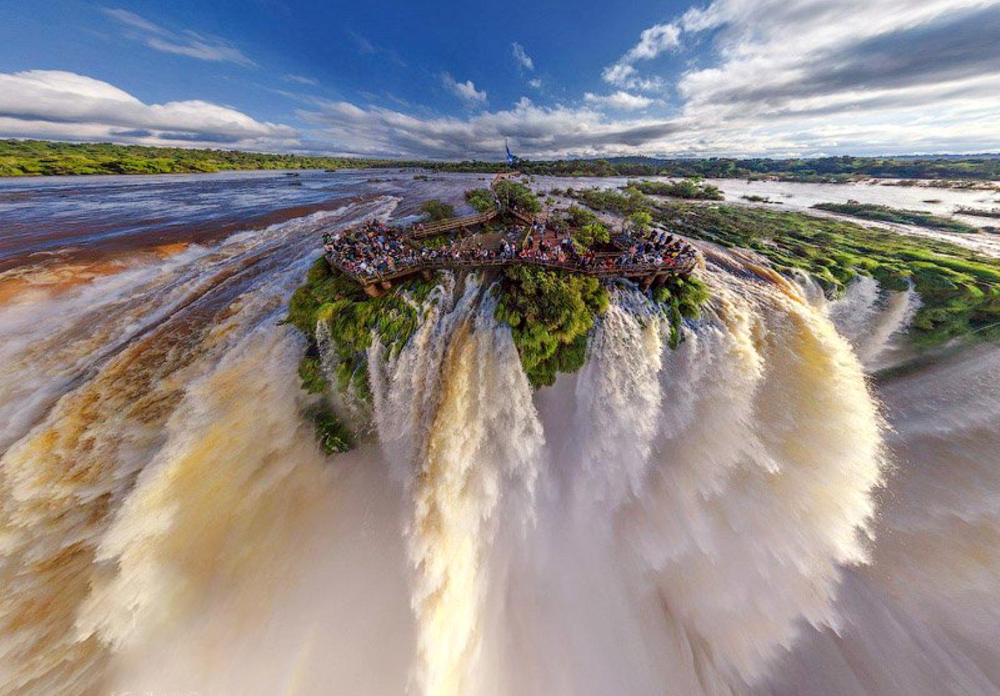 死ぬまでに一度は行きたい世界の絶景:イグアスの滝
