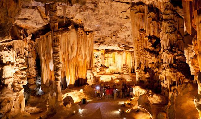 南アフリカ:カンゴー洞窟