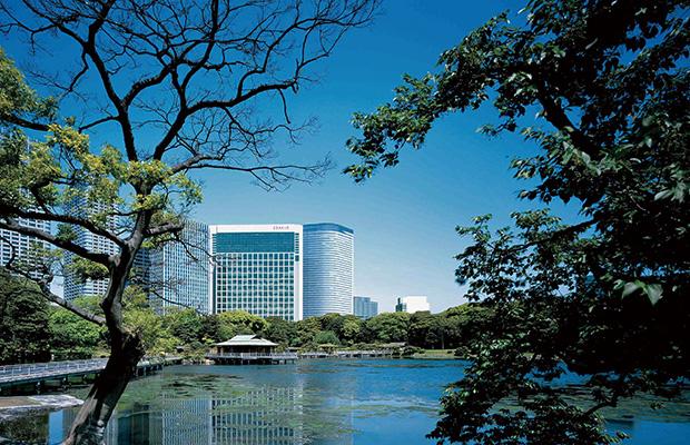 浜離宮恩賜庭園の隣で安らぎの時を紡ぐ「コンラッド東京」