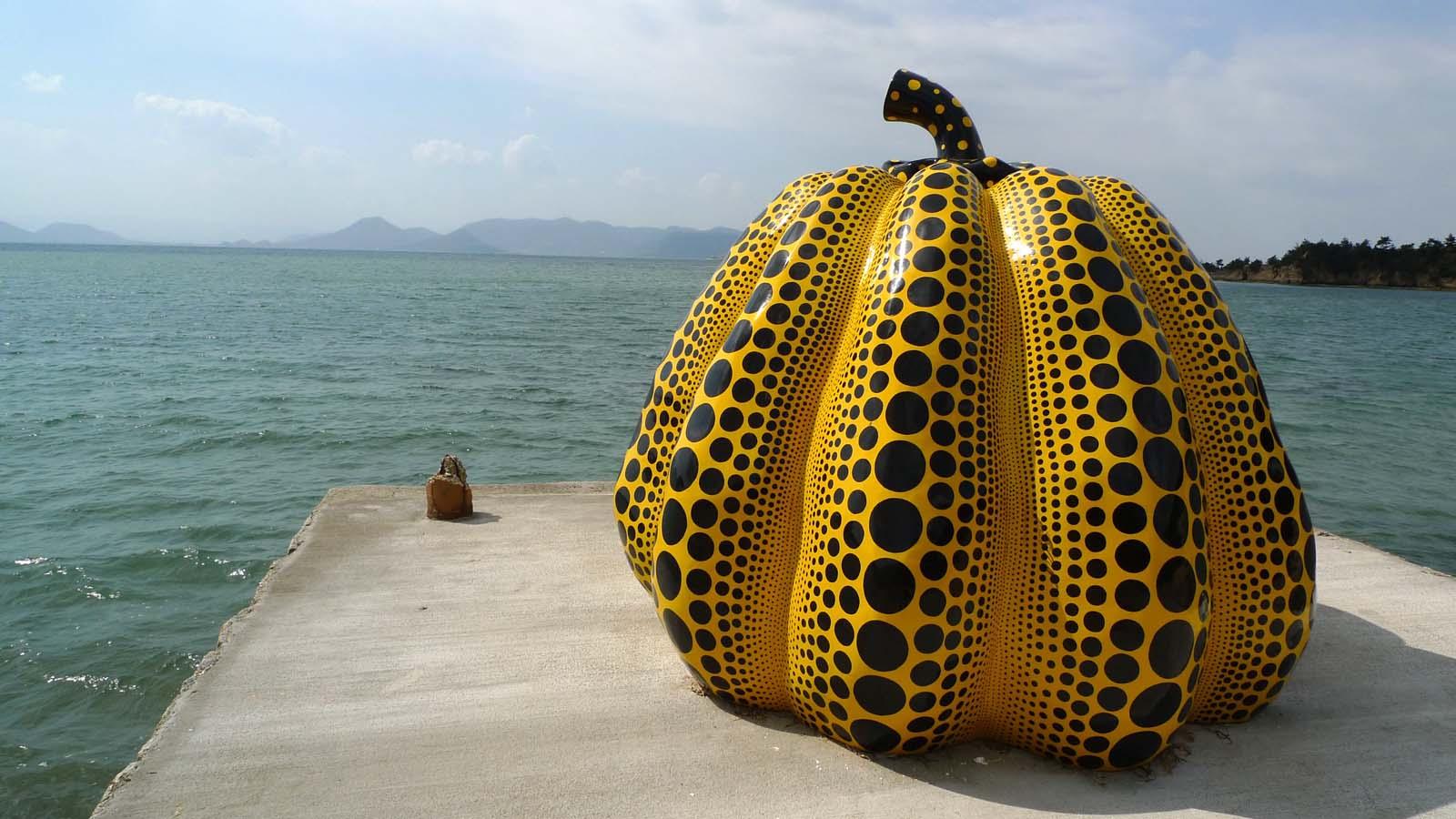 アートを感じる滞在を満喫する直島を芸術の島にした「ベネッセ・ハウス」