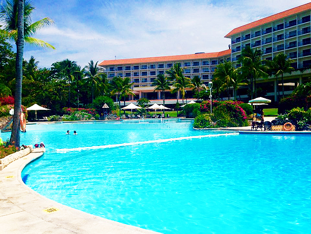 シャングリ・ラホテルのプール