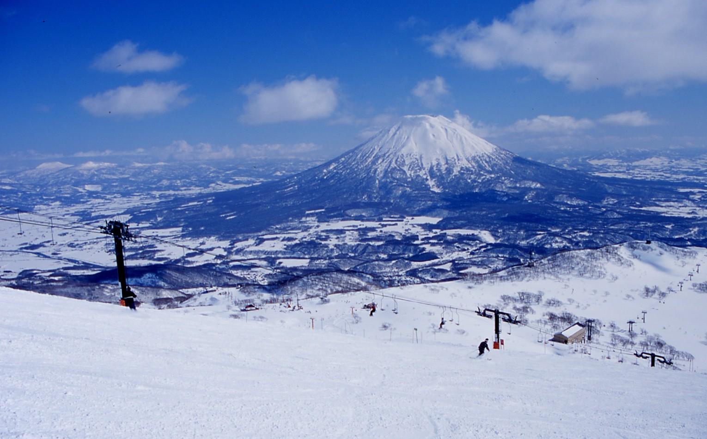 今、世界が注目するワールドクラス・スキーリゾート「ニセコ」観光の楽しみ方