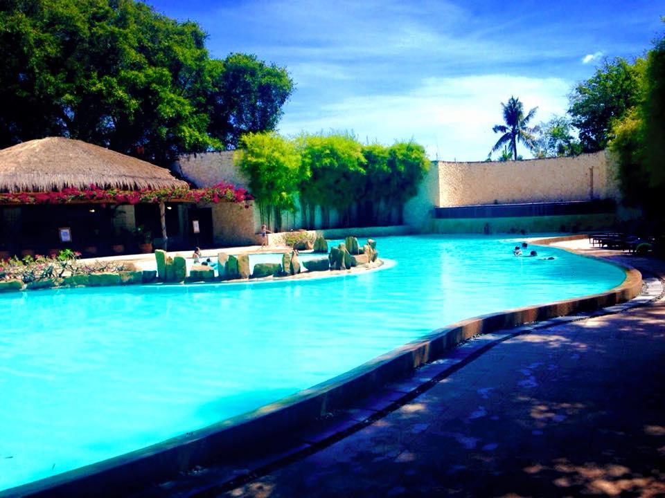 マリバゴブルーウォーターのプール