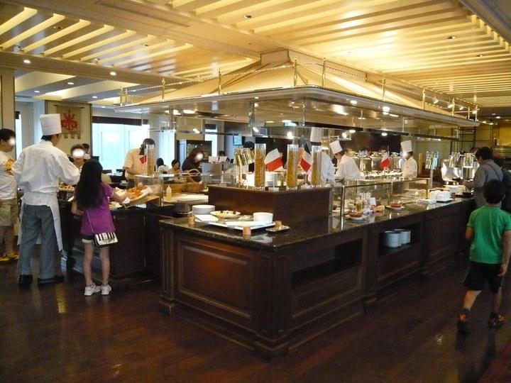帝国ホテル東京のビュッフェレストラン「インペリアル・バイキング・サール」