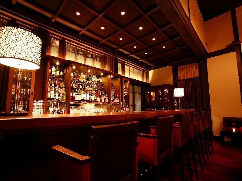オリジナルカクテルも楽しめる奈良ホテルの「ザ・バー」