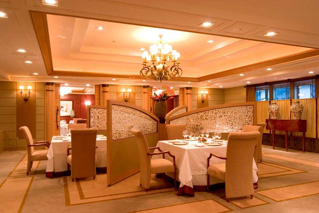 帝国ホテル東京のフランス料理店「レ・セゾン」