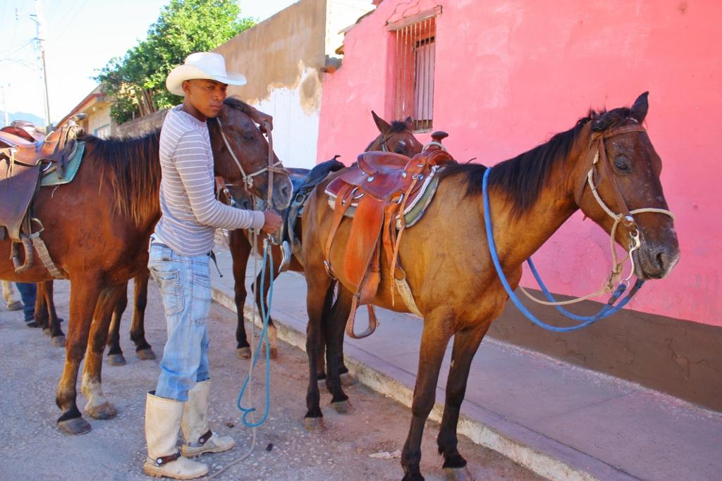 キューバ トリニダーでの乗馬体験