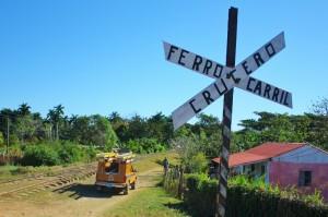 キューバ観光を楽しもう!古都トリニダーとビニャーレスで乗馬体験