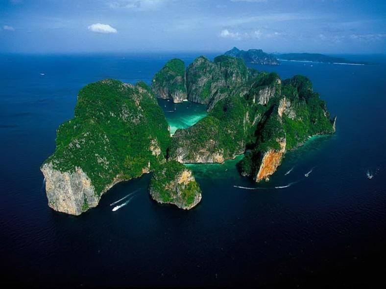 楽園の中の楽園!死ぬまでに必ず行きたいタイの秘境「ピピ島」