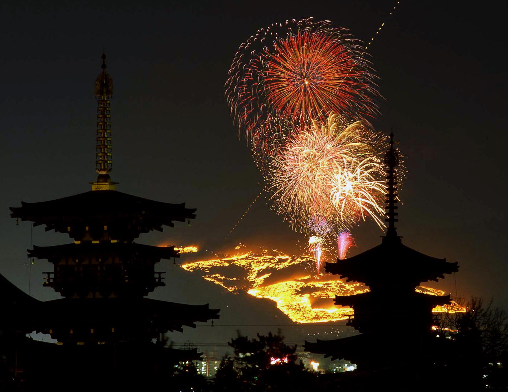 古都の夜が輝く!奈良に行きたくなる、夜の三大イベント♪
