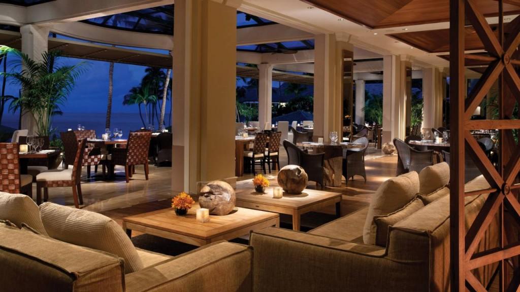 フォーシーズンズ・リゾート・ラナイ・アット・マネレ・ベイ Four Seasons Resort Hawaii, Lanai at Manele Bayのレストラン
