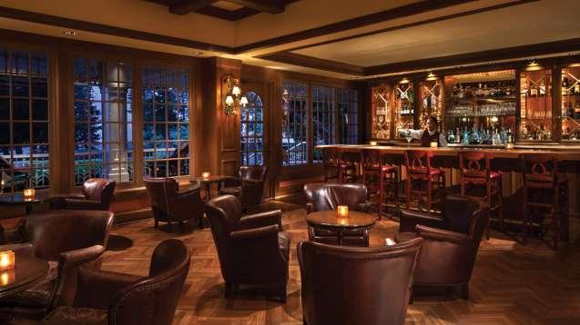 フォーシーズンズ・リゾート・ラナイ・ザ・ロッジ・アット・コエレ Four Seasons Resort Lanai The Lodge at Koeleのレストランバー