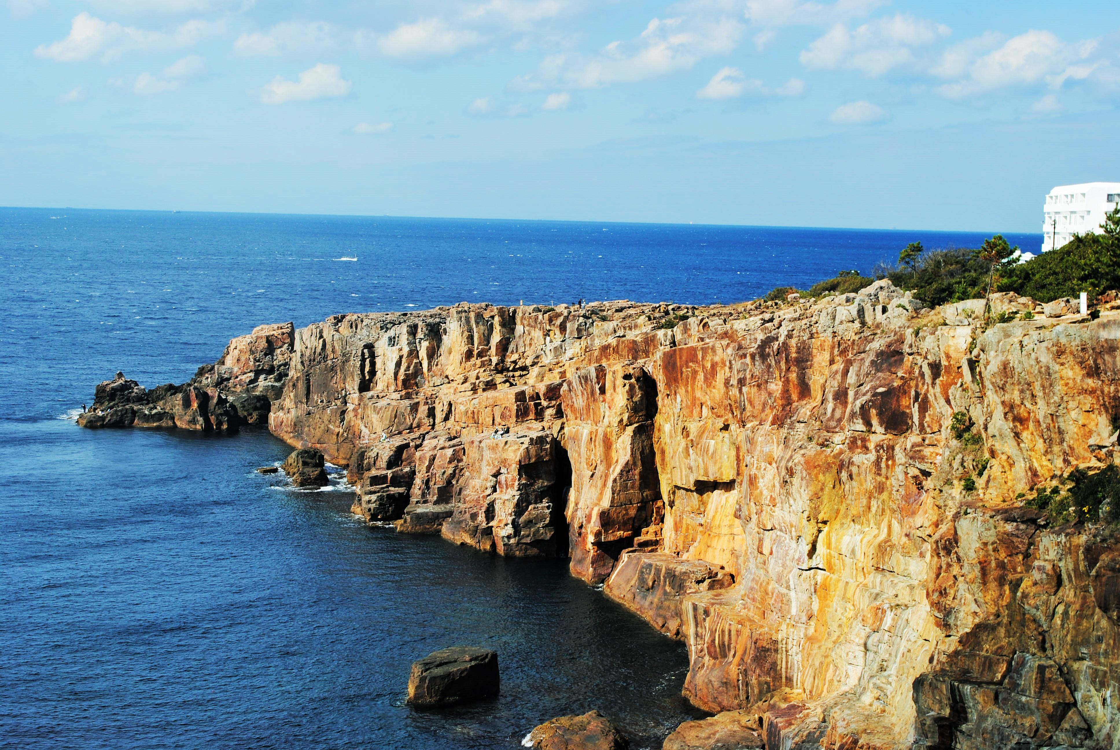 海と波と岩のコントラストが美しい「南紀白浜」を満喫できるお勧めドライブスポット