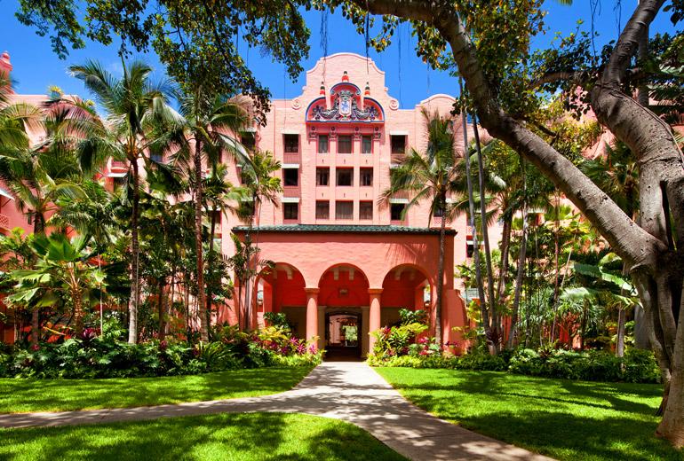 スターウッド・グループが誇る、オアフのワイキキに位置する5つ星ホテル「ザ・ロイヤル・ハワイアン」
