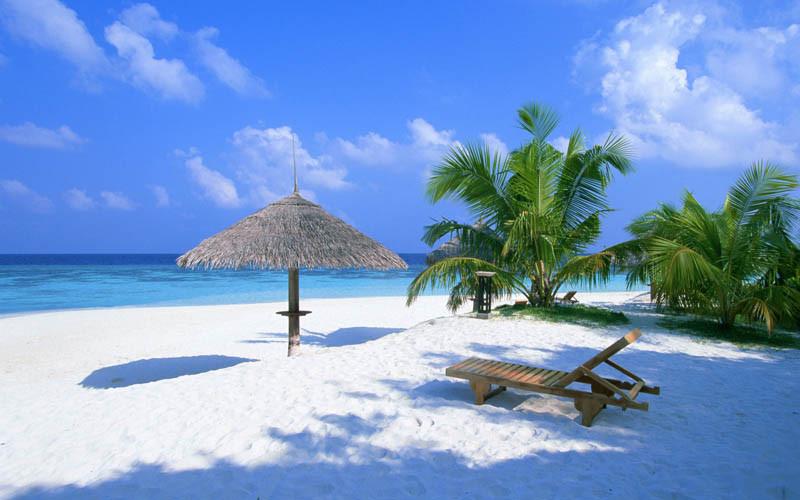 モルディヴのビーチ風景