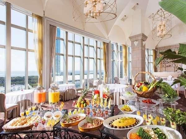 ホテルフランクスの朝食ラウンジ