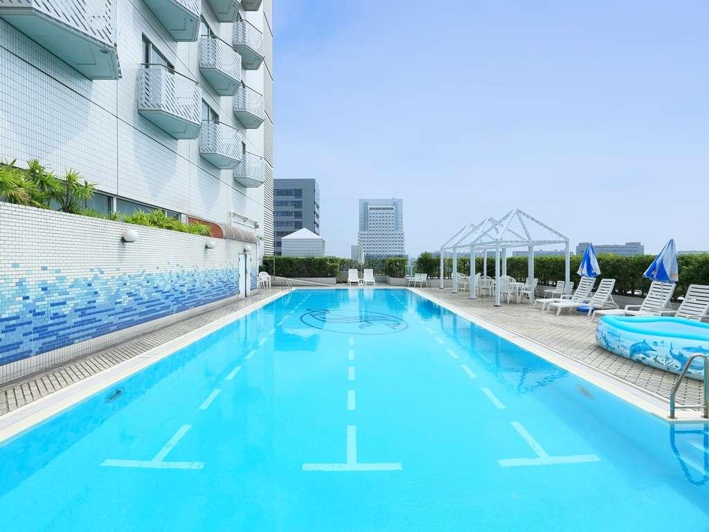 ホテルスプリングス幕張のプール