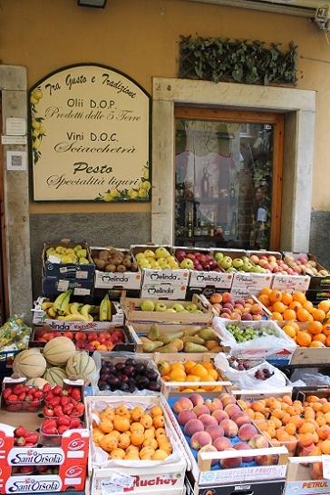 リオマッジョーレの果物屋
