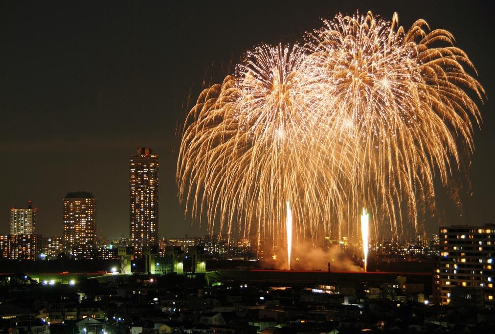 夏だけじゃ物足りないアナタへ!10月に関東近郊開催の花火大会8選