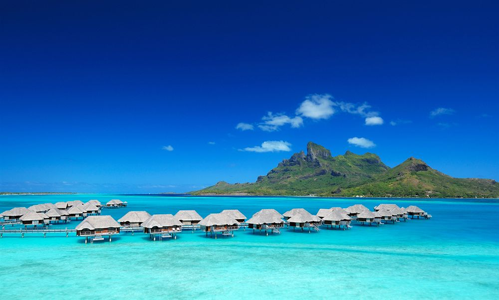 大切な人といつか行きたい。フランス領ポリネシアで最も美しいボラボラ島の「フォーシーズンス・リゾート・ボラボラ」