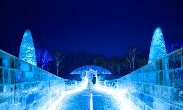 雲海だけじゃない!美しすぎる星野リゾート トマムの「氷の教会」
