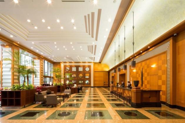 セレスティンホテルのロビー