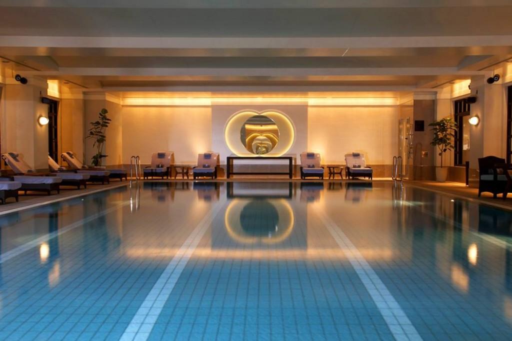 ザ・リッツ・カールトン東京のプール