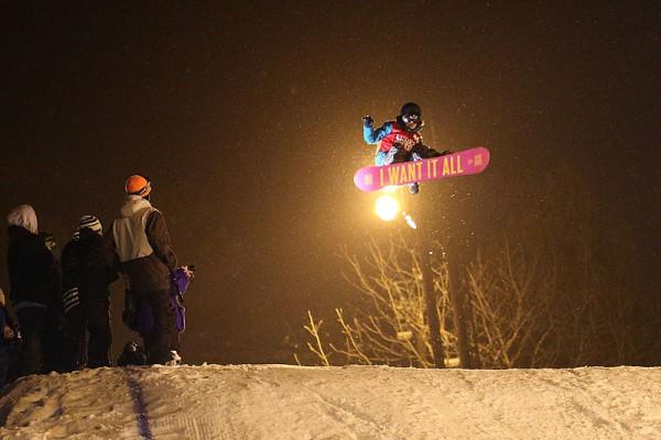 津南雪まつりのスノーボード大会