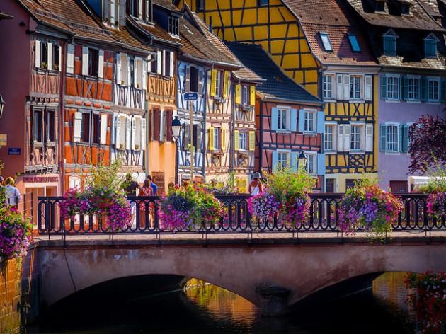 ジブリやディズニーの舞台になったフランスの可愛すぎる街「コルマール」