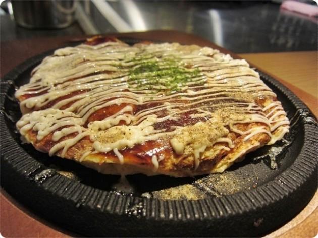 上野 お好み焼き こて吉のお好み焼きの画像です