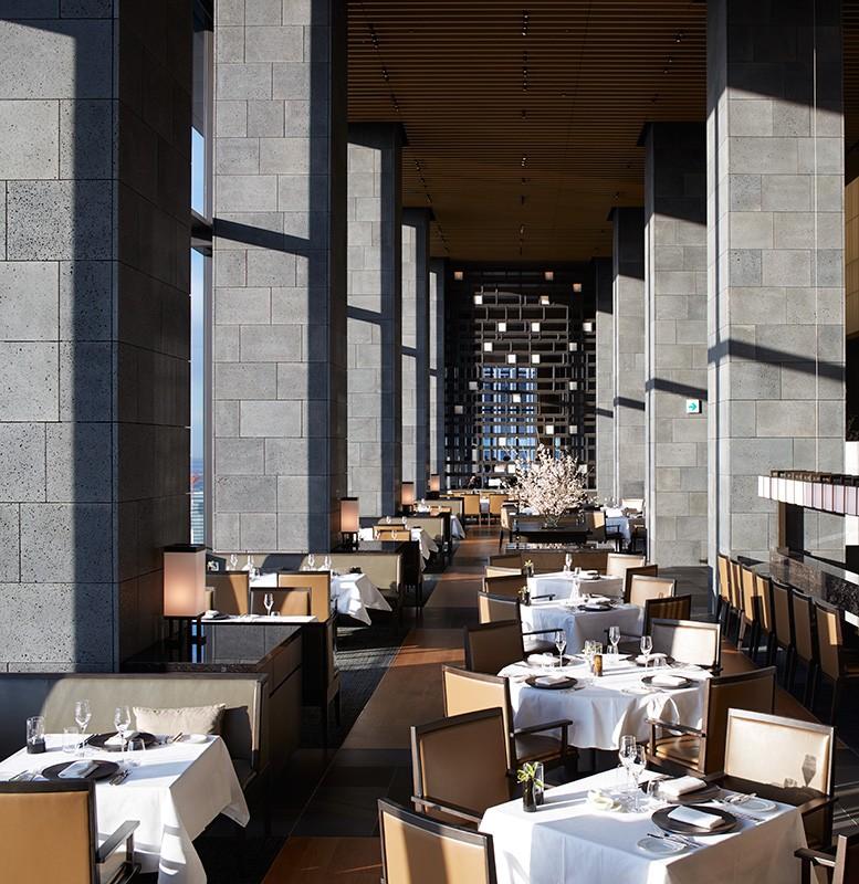 素敵な思い出を彩るアマン東京のレストラン「ザ・レストラン by アマン」
