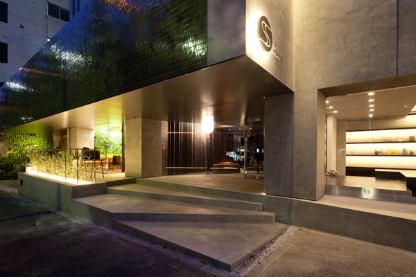 大人のための都会のアジトでスタイリッシュな滞在を楽しむ「六本木ホテル S」