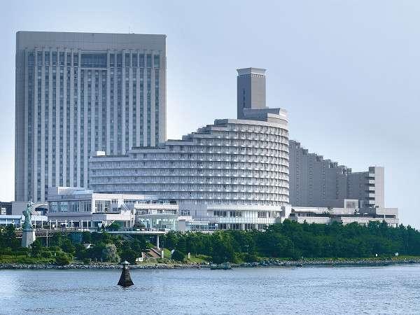 お台場に佇む都会のリゾート「ヒルトン東京お台場」