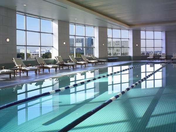 ホテル グランパシフィック LE DAIBAのプール