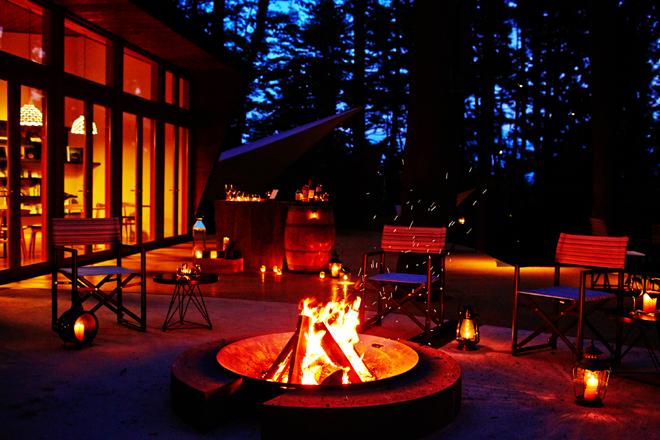 星のや富士のキャンプファイヤーテラス