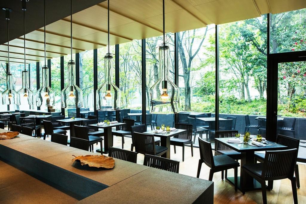 大手町の森に佇む世界初のアマンカフェ「ザ・カフェ by アマン」